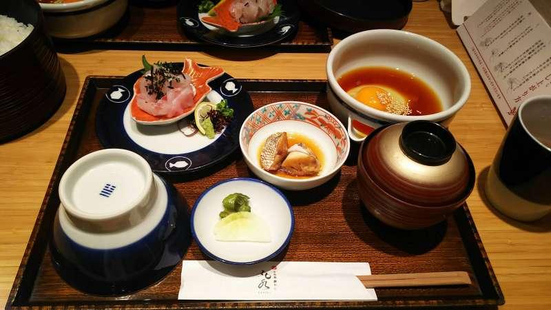 愛媛郷土料理&B級グルメを食べつくす!